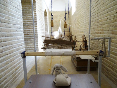 An old loom on display at Markar Museum in Yazd